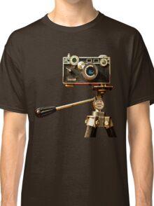 Vintage Argus Camera & Tripod Classic T-Shirt