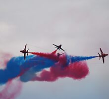 Red Arrows smoke by jabisfab