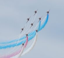 Red Arrows white lines by jabisfab