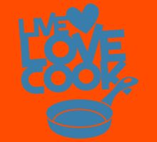 LIVE LOVE COOK with saucepan Kids Tee