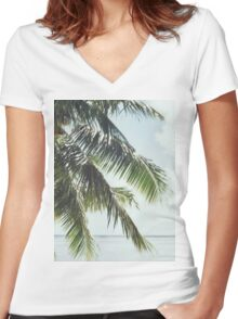 Palm Tree Vintage Women's Fitted V-Neck T-Shirt