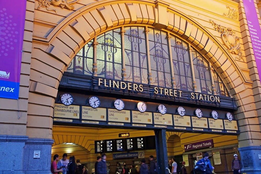 Flinders St Station by Harry Oldmeadow