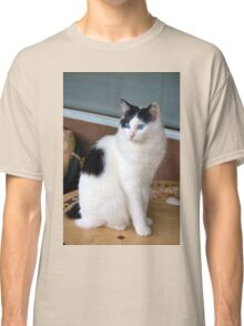 Spotting a Bird Classic T-Shirt