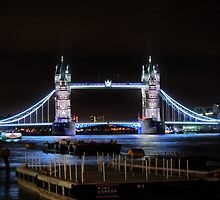 The Tower Bridge at Night  (2) by Larry Lingard/Davis