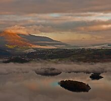 Dawn over Derwent Water by JMChown