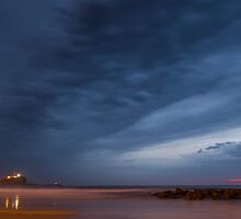 Nobby's Beach Sunrise (2:5 Panorama) by Daniel Rankmore