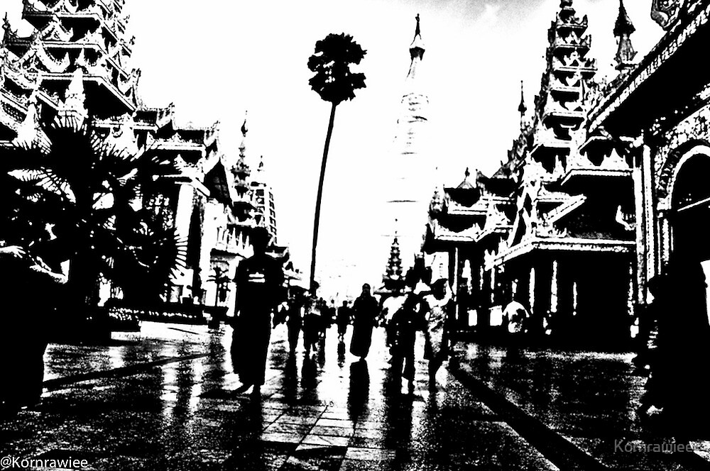 The heart of Myanmar... by Kornrawiee