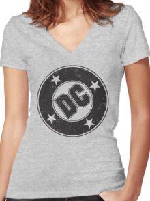 DC COMICS - VINTAGE BLACK Women's Fitted V-Neck T-Shirt