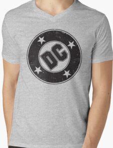 DC COMICS - VINTAGE BLACK Mens V-Neck T-Shirt