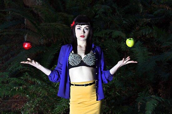 Snow White by Alexis Tobin