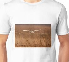 Barn owl in flight Unisex T-Shirt
