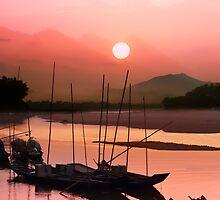 Sunset at Mae Khong by naphotos