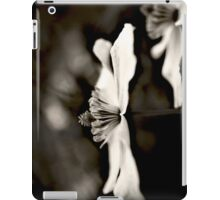 Clematis flower (in black and white) iPad Case/Skin