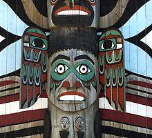 Totem Pole by Vac1