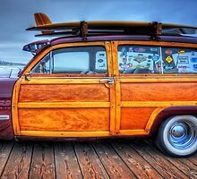 Classic Woody Panel by Delights
