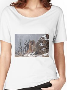 Cougar coming around rock Women's Relaxed Fit T-Shirt