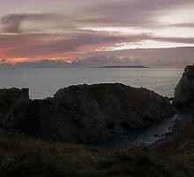 Lulworth Cove by bethadin