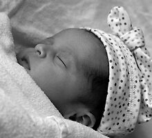 Emma - 20 hours old by Simone1966