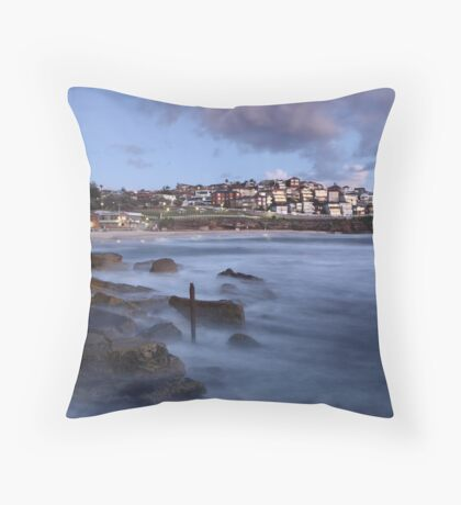 Early Morning Bronte Beach Throw Pillow