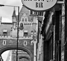 Hipsta Bar - Tower Bridge, London by A.David Holloway