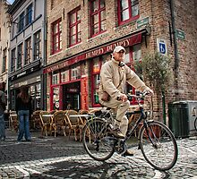 Bicycle in Bruges by hebrideslight
