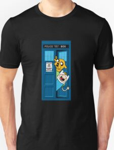 adventure time jake tardis  T-Shirt