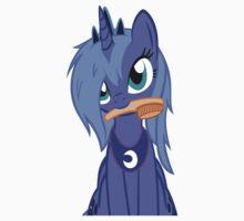 Luna ,Messy Mane  by eeveemastermind