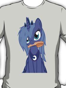 Luna ,Messy Mane  T-Shirt