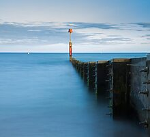 Bournemouth groyne at Sundown by Ian Middleton