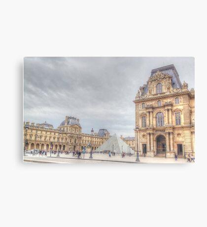 Loving The Louvre Canvas Print