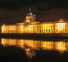 Dublin Ireland Neoclassical 18th-century Customs House reflected in the waters of the River Liffey. by stuwdamdorp