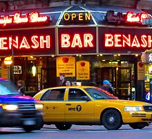 Taxi!    -     New York City by Alberto  DeJesus