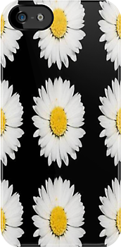 White Daisy on Black by taiche