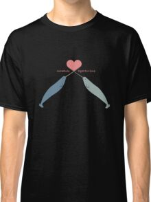 Narwhals fight for love Classic T-Shirt