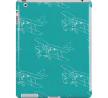 Pattern with hand drawn airplanes iPad Case/Skin
