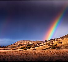 Ivinghoe Beacon Rainbow by hobgoblin