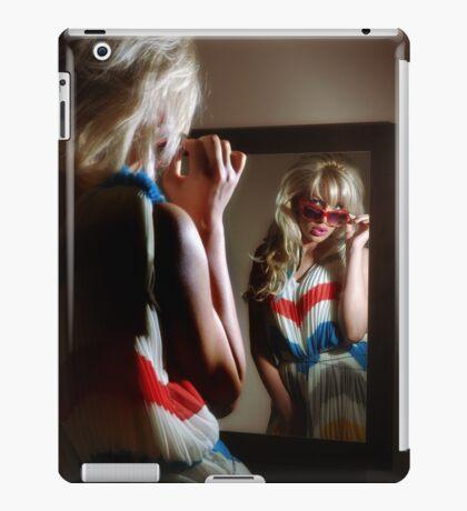 Sexy girl in the mirror iPad Case/Skin
