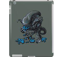 ALIEN EATS ALIEN iPad Case/Skin