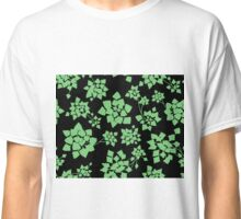 Water caltrop pattern in black and green Classic T-Shirt