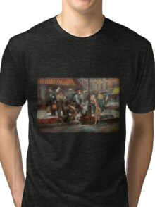 City - NY - Drinking water from a street pump 1910 Tri-blend T-Shirt