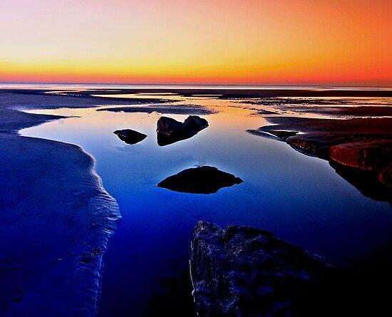 Beach colours by Gary Power