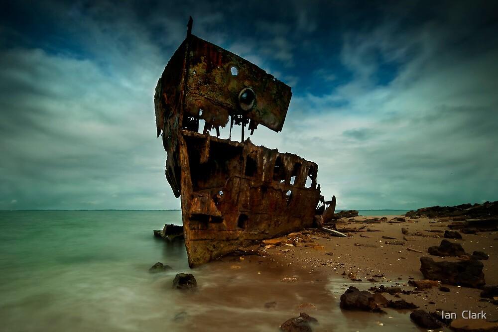 Redcliffe Wreck Gayundah by Ian  Clark