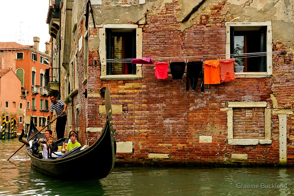 Hang out the Washing - Venice Italy by Graeme Buckland