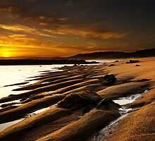 Goldern Sand - Point Addis Victoria by Graeme Buckland