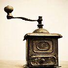 Coffee grinder by Katarzyna Siwon
