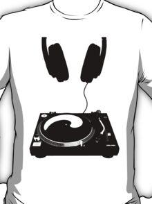 dj black T-Shirt