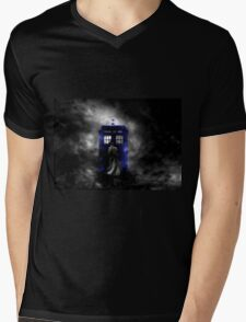 The Doctor and his blue box Mens V-Neck T-Shirt