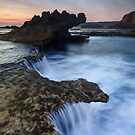 Along the Dragon&#x27;s Reef - Blairgowrie, Victoria, Australia by Sean Farrow