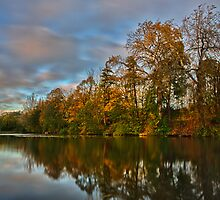Autum colours of Loch Neaton in Watton by Mark Bunning