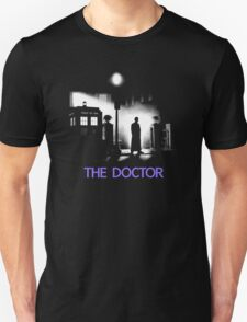 The 10th Doctor meets a new enemy. Unisex T-Shirt